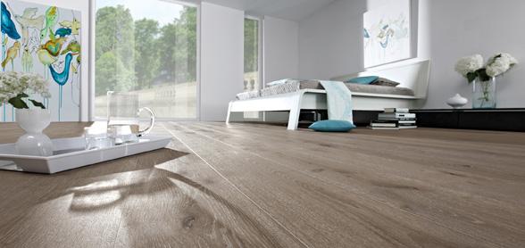 parkett oder fliesen bodenbelge fliesen und parkett wurden hier am gang im wohnzimmer. Black Bedroom Furniture Sets. Home Design Ideas
